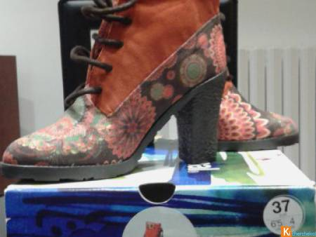 BOTTINES DESIGUAL NEUVES 35e  P.37