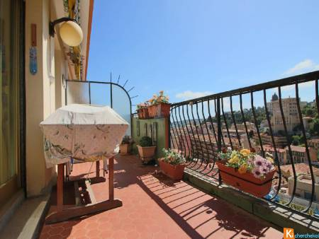 MENTON - 3 PIECES - TERRASSE - PARKING