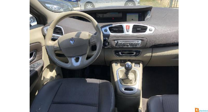 Renault GRAND SCENIC 1.9 Dci 130ch Carminat Tomtom 7 Places (2009a)