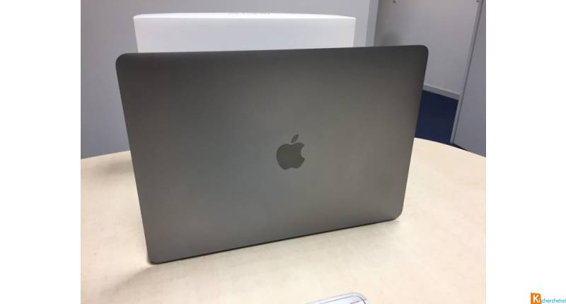 MacBook Pro Retina 13,3'', 256GB, 8Go, TOUCH BAR