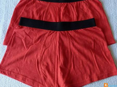 Lot 2 boxers rouge taille S-M neuf (50)