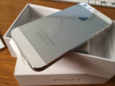 iPhone 5 blanc 64go neuf garan