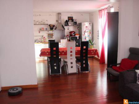 GIROMAGNY - APPARTEMENT T3 - PARKING PRIVATIF