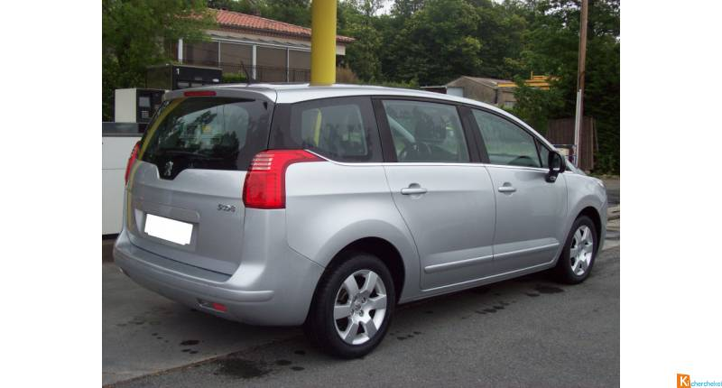Peugeot 5008 112 CH Active 7 Places