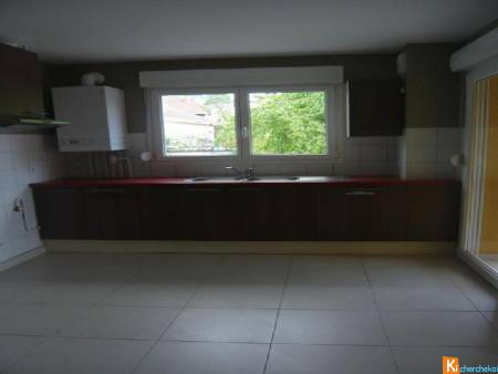 ETUPES - BEL APPARTEMENT T4 101 m2 avec cave et parking