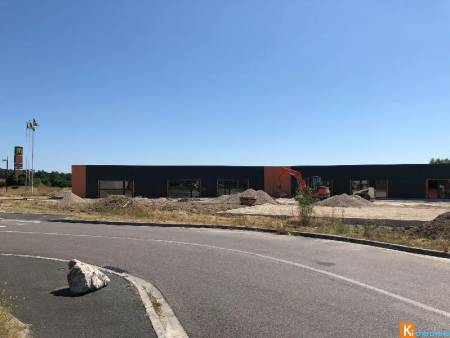 Local commercial de 398 m2 - Cavignac