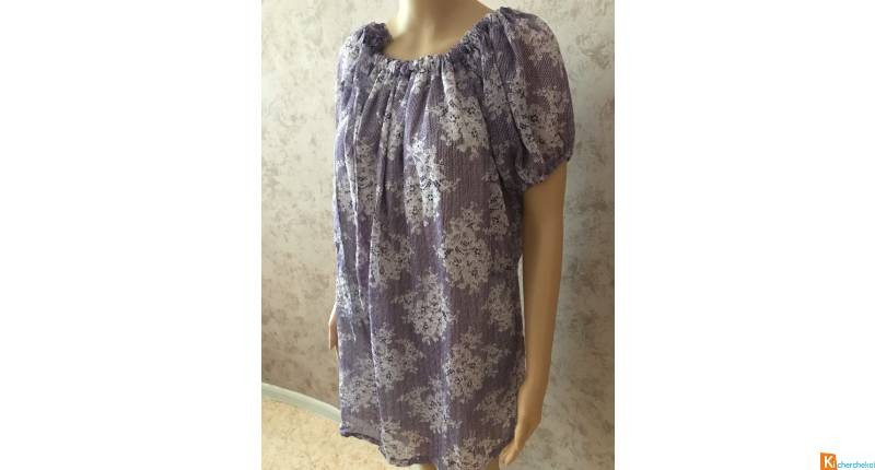 Robe lilas et blanche