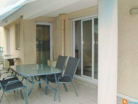 APPARTEMENT T3 - PARKING PRIVE - TERRASSE 23 m² - 400 m PLAGE - - Fréjus