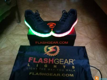 Chaussure lumineuses FlashGear 7 couleurs + 5modes