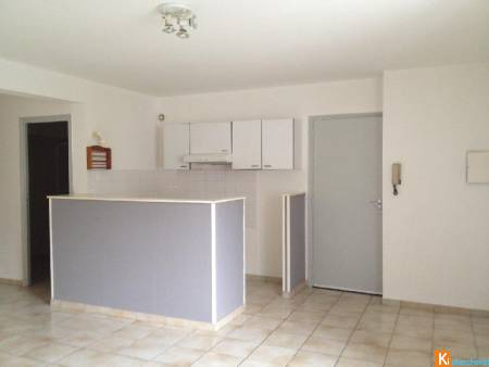 APPARTEMENT T3 PLAIN-PIED CENTRE VERNOU