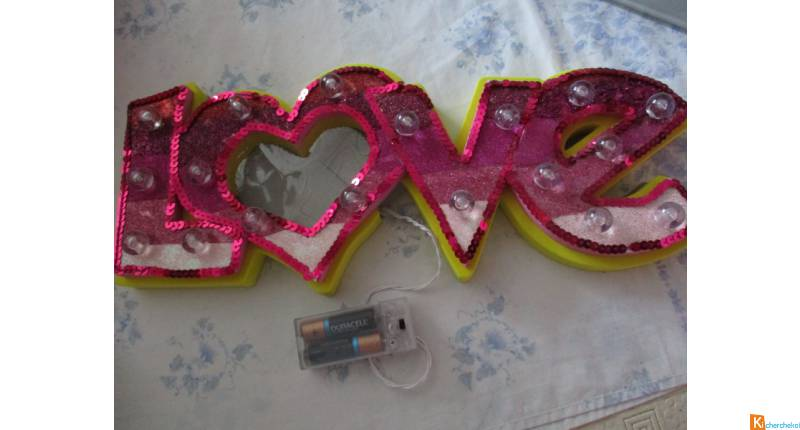 "applique luminaire "" love "" porte-photo"