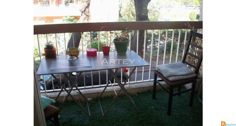 APPARTEMENT 4 PIECES - HYERES QUARTIER GARE