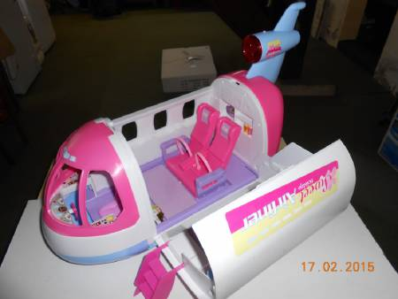 AVION BARBIE