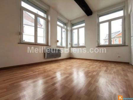 Immeuble 120 m2 - 3 appartements + 1 local commercial