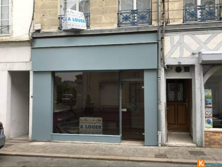 Local commercial Bernay