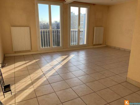APPARTEMENT T3 ROSERAIE