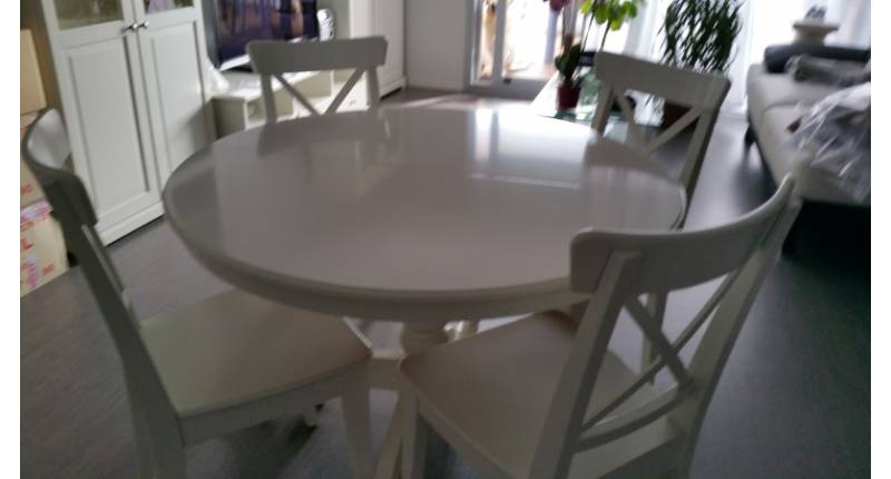 Table Ronde Et Chaises.Table Ronde Blanche 6 Chaises Blanches