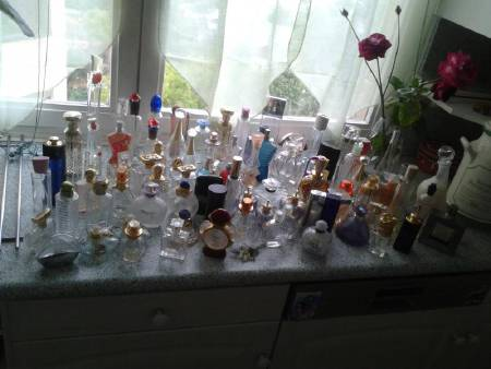 collection flacons de parfum