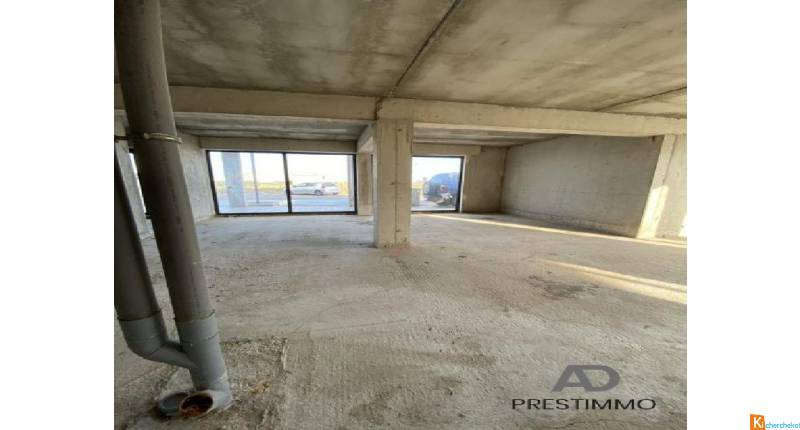 Local commercial, 62,52 m2 avec parking clientèle (TVA) - Furiani
