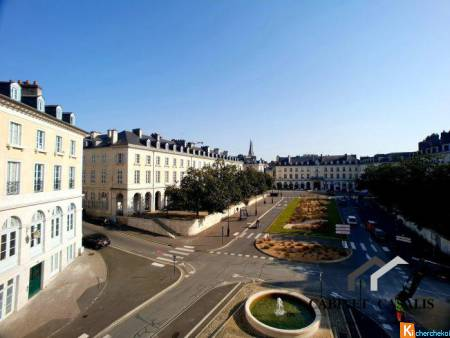 PAU PLACE GRAMONT A VENDRE GRAND LOCAL COMMERCIAL - Pau