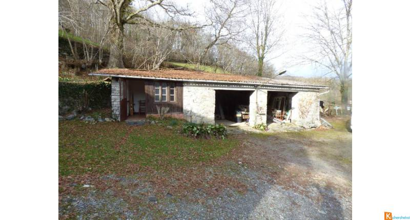 EXCLUSIVITE ENSEMBLE IMMOBILIER AVEC 8930 M2 DE TERRAIN