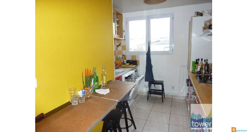 RIVE DROITE APPARTEMENT DE GRAND VOLUME T6 96 M2
