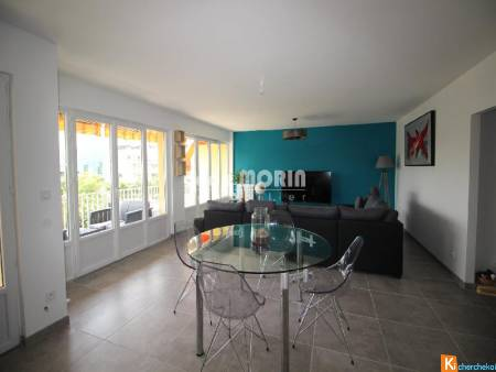 BOURG LES VALENCE - Grand appartement 104 m2, garage, place privative