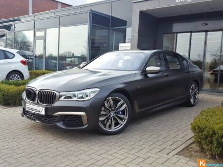 BMW M760Li xDrive TV