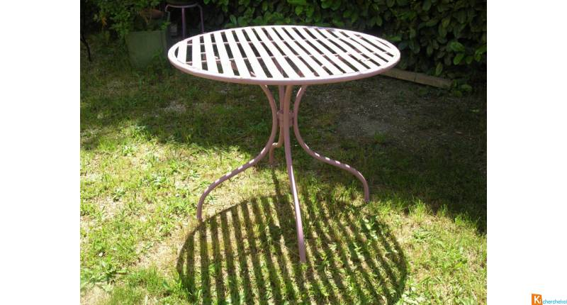 Table ronde de jardin en fer