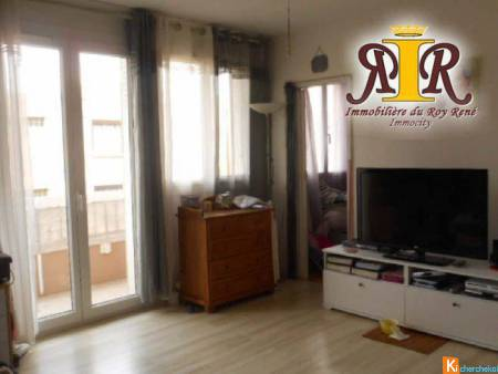 APPARTEMENT T2 DANS RESIDENCE SECURISEE - Marignane