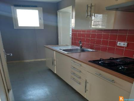 MANOSQUE (04), Beau T3 dans residence securisee