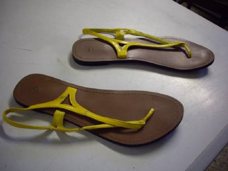 Sandales coloris Jaune pointure 39 à 2,50 €