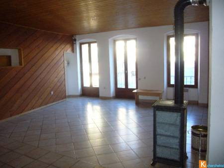 LOCATION TENDE APPARTEMENT EN DUPLEX