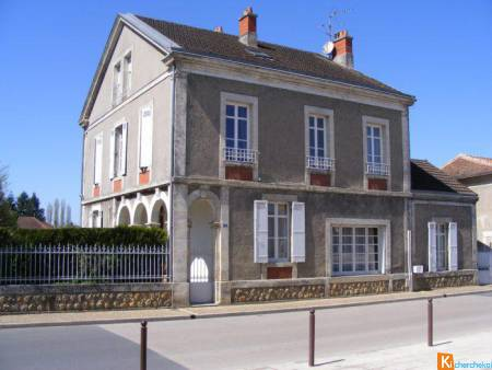 Belle maison Bourgeoise à Neuvic - Neuvic