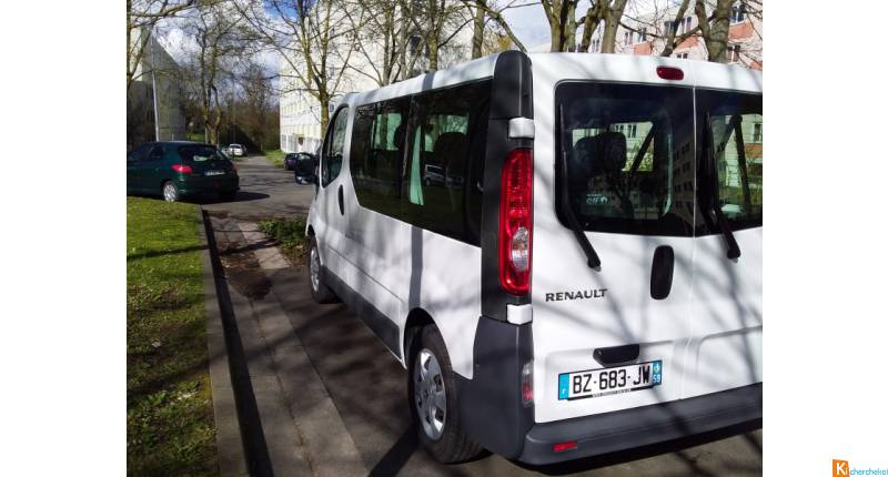 Renault Trafic 2.0 dCi Passenger Expression.