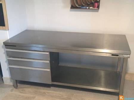 Table inox Avec 3 tiroirs coulissants