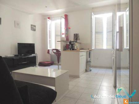 Vente Appartement  STUDIO HYERES CENTRE