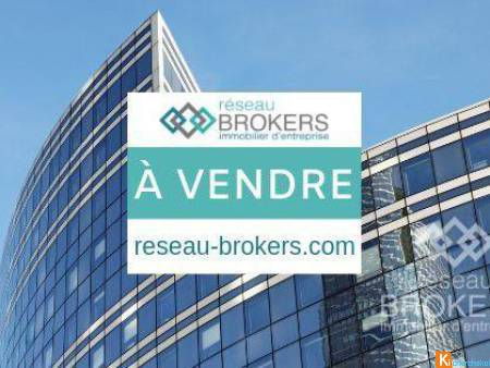 Local commercial ou bureau de 191 m2 - Castelnau-le-Lez