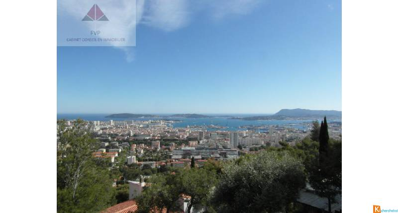 TOULON FARON - VUE MER - APPARTEMENT D'EXCEPTION + JARDIN + DEPENDANCES + GARAGE