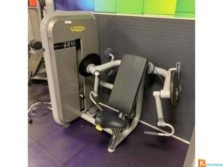 Lot de 14 machines Technogym Selection et Element