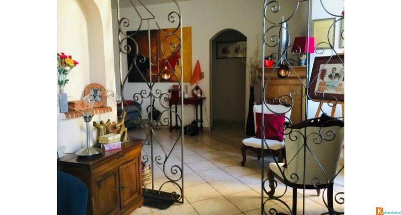 TRES BEL APPARTEMENT EN CENTRE VILLE - Tulle