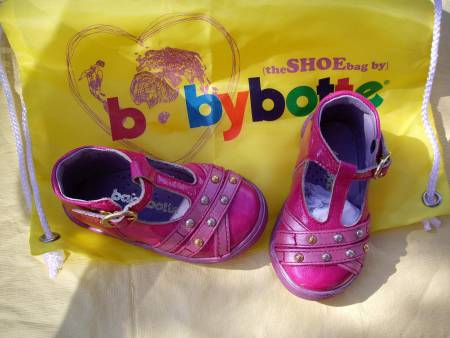 "Chaussure pour Fille ""Babybotte for ever"" pt 19"