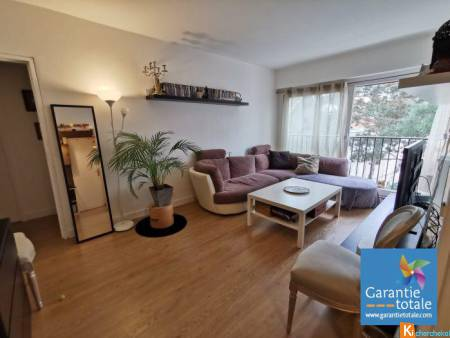 F2  - 45 M2 - CAVE - Montreuil