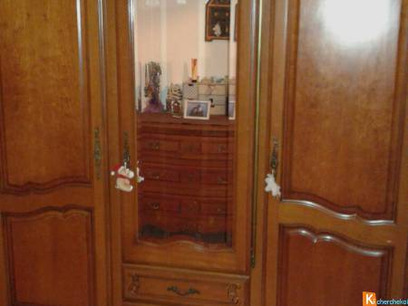 Armoire + 1 table de chevet