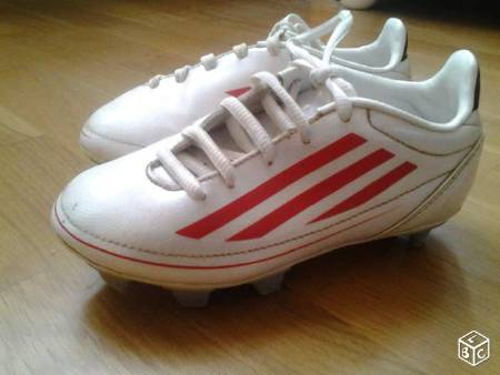 Chaussures de foot Adidas taille 31