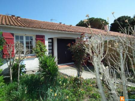 Jolie Maison de plain pied +garage/ Beautiful ground level house + garage