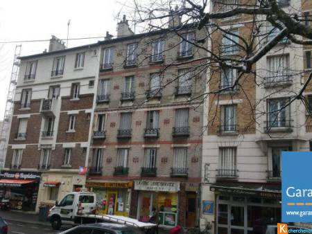 F2 - 28 M2 A RENOVER - 144 000 € - Montreuil