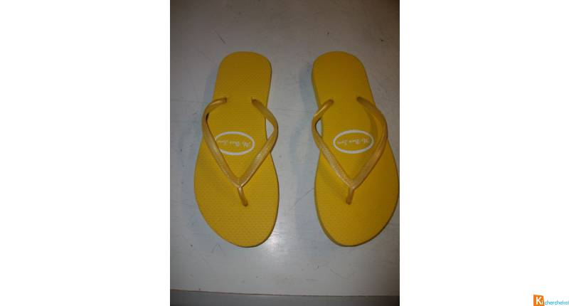 Tongs Jaune pointure 36/37 -neufs- à 2,50 €