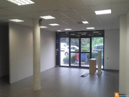 Local commercial - 74m2