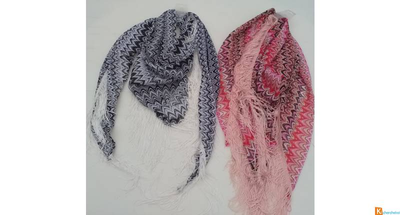 Lot de 22 foulards